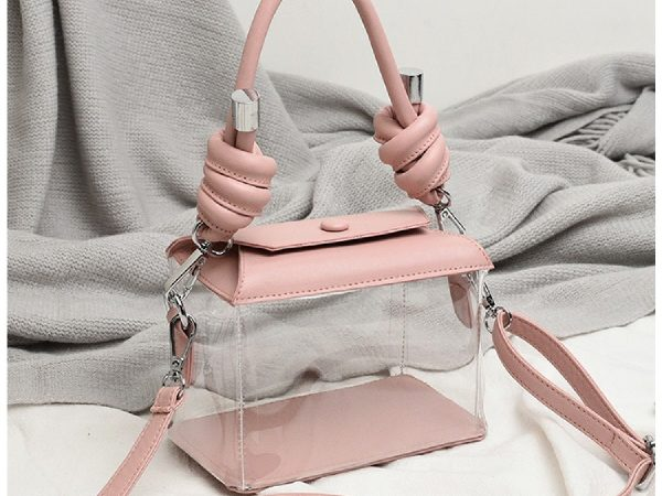 How To Buy The Latest Bags For Ladies From Various Online Stores?